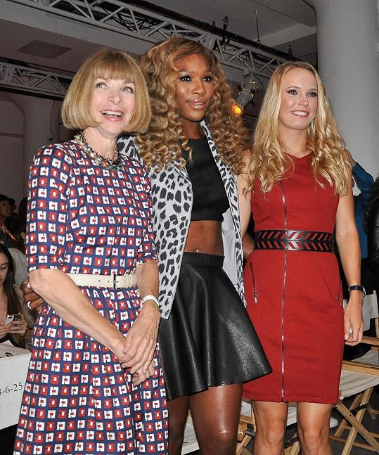 Mezi účastníky přehlídky se objevila i obávaná šéfredaktorka Vogue Anna Wintour.