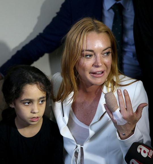 Lohan i se svým poraněním v Turecku navštívila několik syrských rodin.