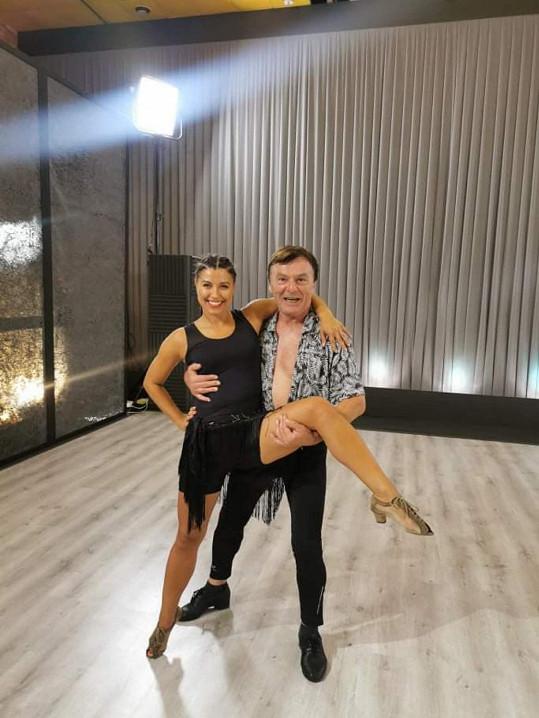 Pavel Trávníček s Veronikou Lálovou na tanečním parketu