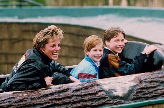 A ještě jedna vodní atrakce v Thorpe Parku. Tentokrát s oběma syny (duben 1993)