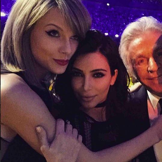 Taylor na Instagramu předstihla Kim Kardashin a pyšní se největším počtem fanoušků.