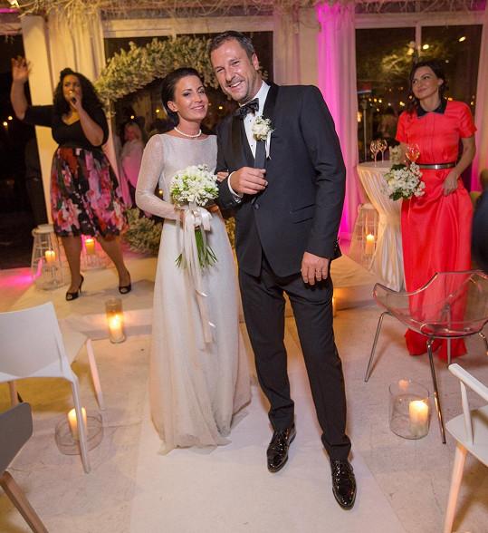 Gabriela Partyšová se minulou sobotu v těchto šatech vdávala.
