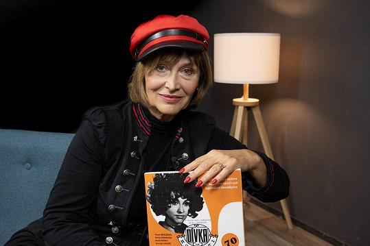Loni vydala vzpomínkovou knihu – fotostory Saxana 70.