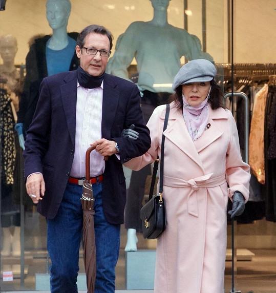 Collins se současným manželem Percym Gibsonem