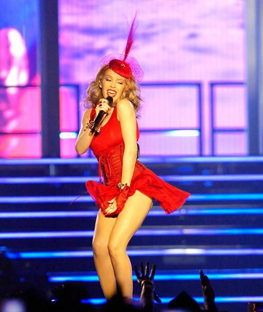 Kylie Minogue brzy zavítá i do Prahy.
