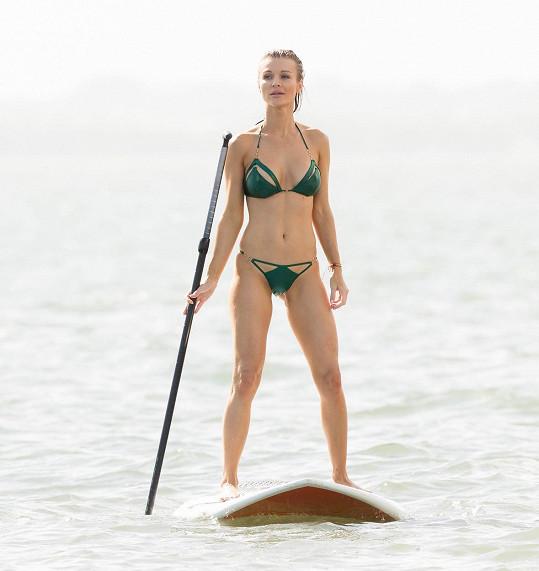 Joanna má dokonalou figuru.