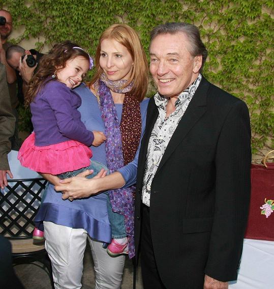 Charlotte s maminkou a tatínkem (2010)