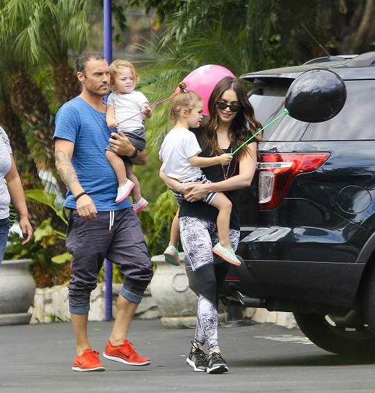 Herečka s Brianem Austinem Greenem a jejich dětmi