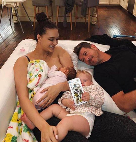 April a Robin s oběma dcerami