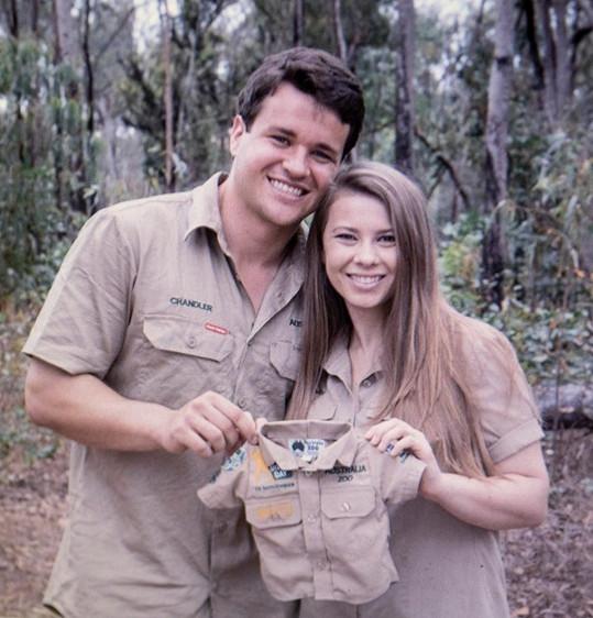 Z mladých manželů jsou rodiče. Dcera Grace Warrior Irwin Powell se narodila 25. března.