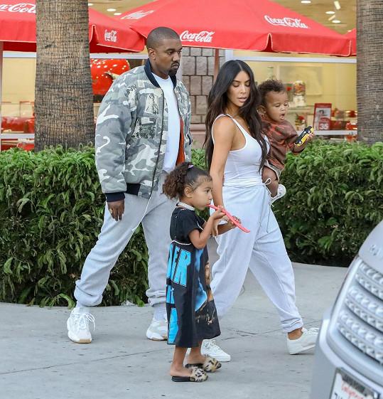 Dceři Kim a Kanyeho byly ve čtvrtek čtyři roky.