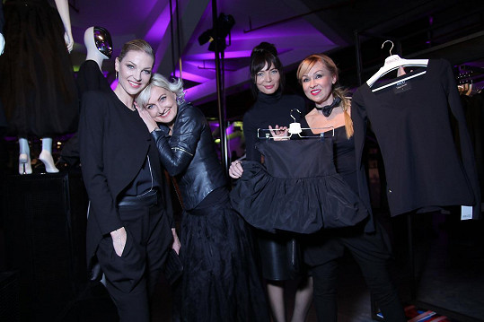 Zakoupením jakéhokoli kusu oblečení z kolekce pomůže k zafinancování procedur šestileté hendikepované Elen Szymanzské.