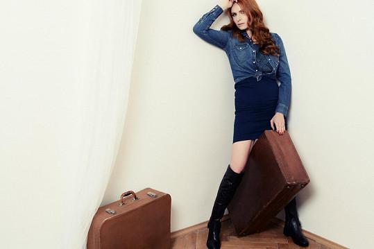 Tři měsíce po porodu fotila Pavelková džínovou módu.