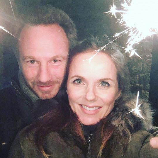 Geri s manželem Christianem Hornerem, s nímž v půlce května oslavila dvouleté výročí svatby.