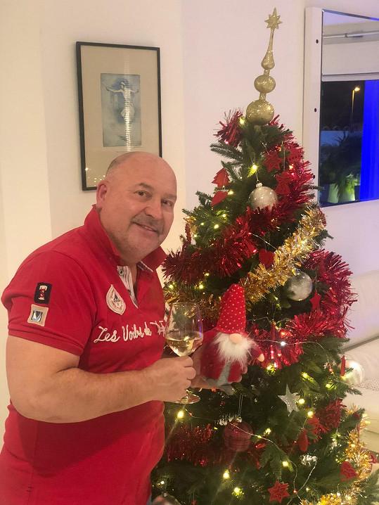 Michal David odletěl na Tenerife před Vánoci.