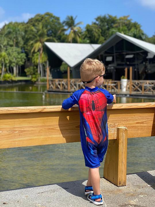 Syn Elián má zavřenou školku, proto si bude rodina dovolenou prodlužovat.