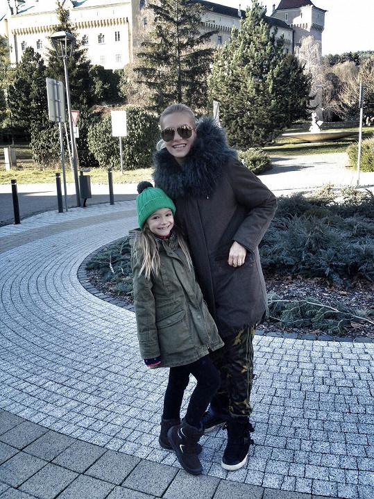 Z Krkonoš odjela Dara s dcerou Laurou na Slovensko.