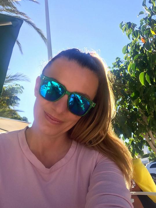 Alice odletěla na Tenerife se snoubencem Michalem, dcerou Aličkou a synem Vašíkem.