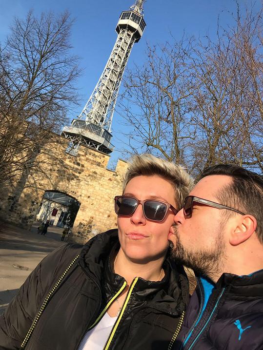 Michal a Zuzana na procházce na Petříně