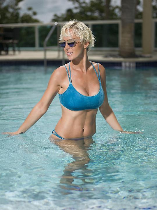 Zuzana pravidelně cvičí pod dohledem trenéra.