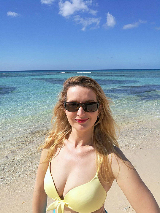 Markéta Muzikářová s manželem cestuje po Kubě.