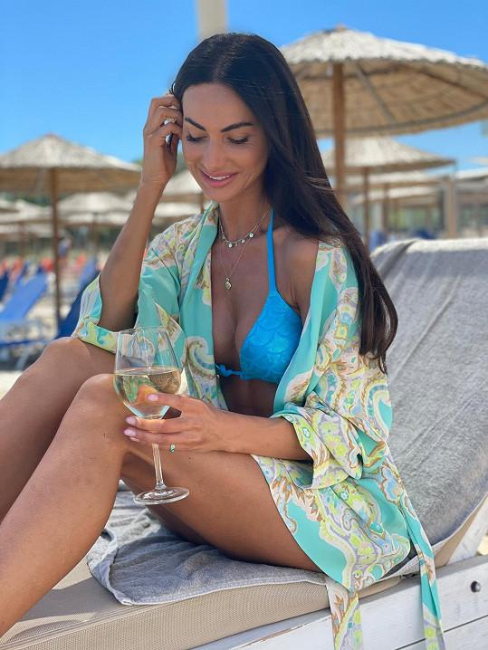 Eliška Bučková si užívá dovolenou.