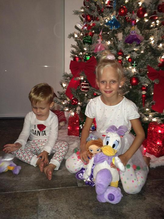 Americké Vánoce si děti užily.