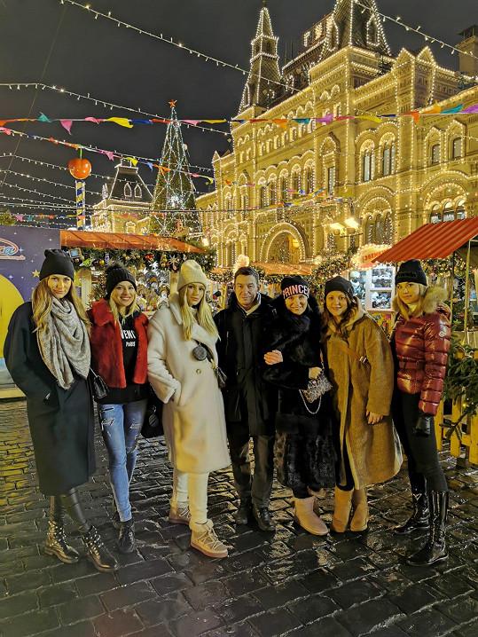 Beata Rajská se svým týmem na Rudém náměstí