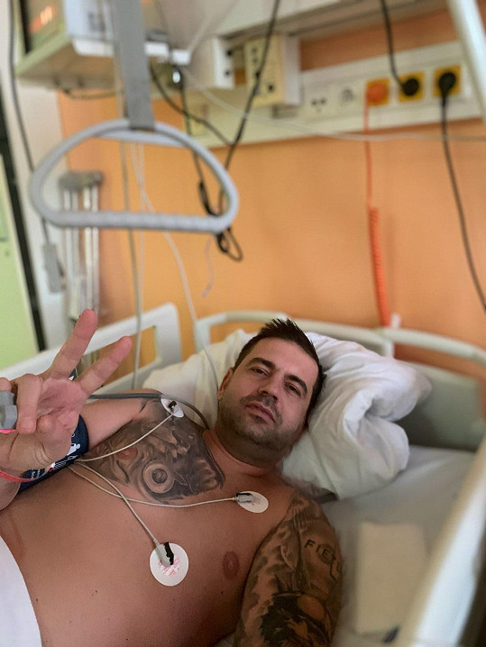 Už je po operaci.