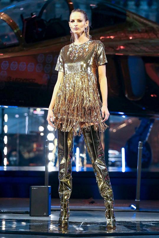 Michaela Kociánová na módní show Philipp Plein