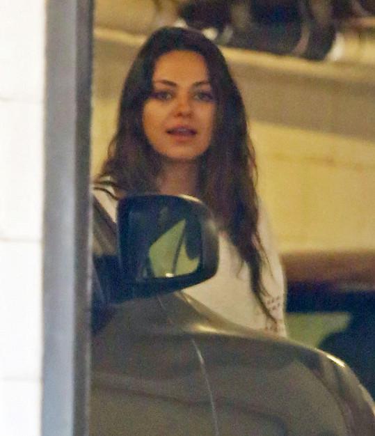 Maminka Mila Kunis se poprvé objevila na veřejnosti.