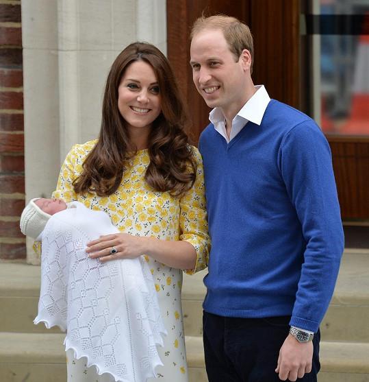 Neuvěřitelná vévodkyně Kate: Jakoby ani neodcházela z porodnice, ale spíš z vlasového studia.