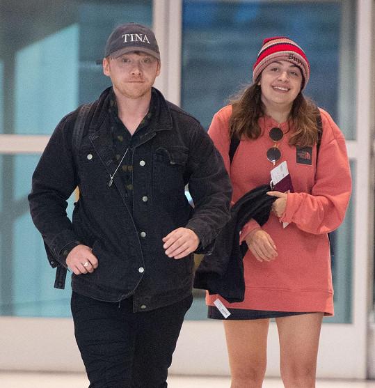 Představilel Rona Weasleyho chodí s Georgiou už devátým rokem.