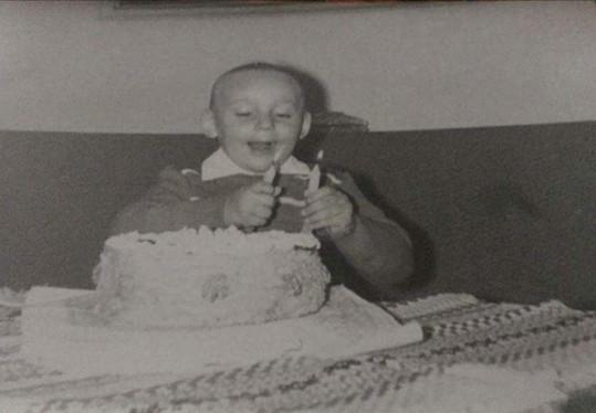 Marian dostával vždy k narozeninám od maminky dort.