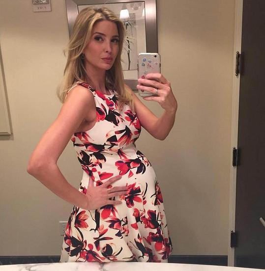 Ivanka se pochlubila těhotenským bříškem na sociální síti.