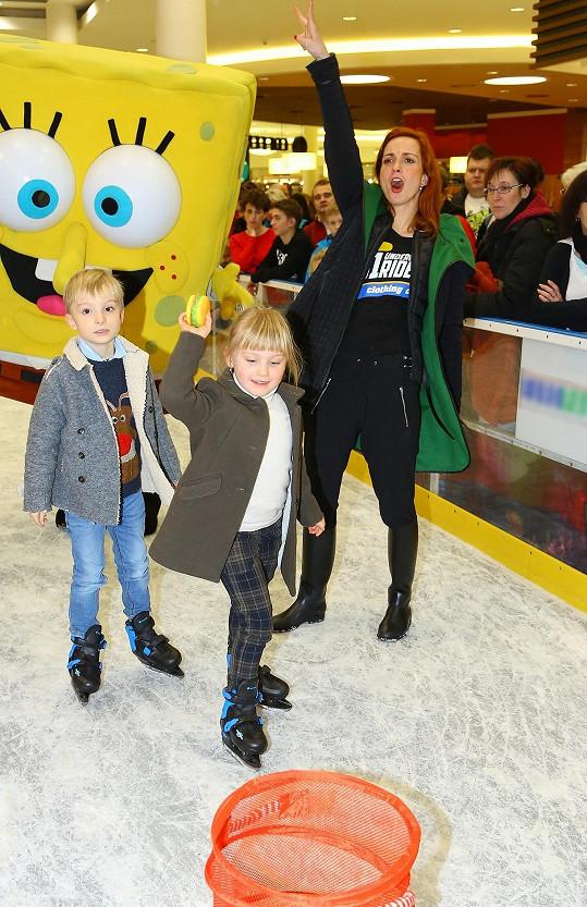 Děti Míši s filmovou hvězdou Spongebobem