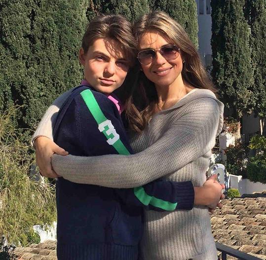 Elizabeth Hurley se synem Damianem