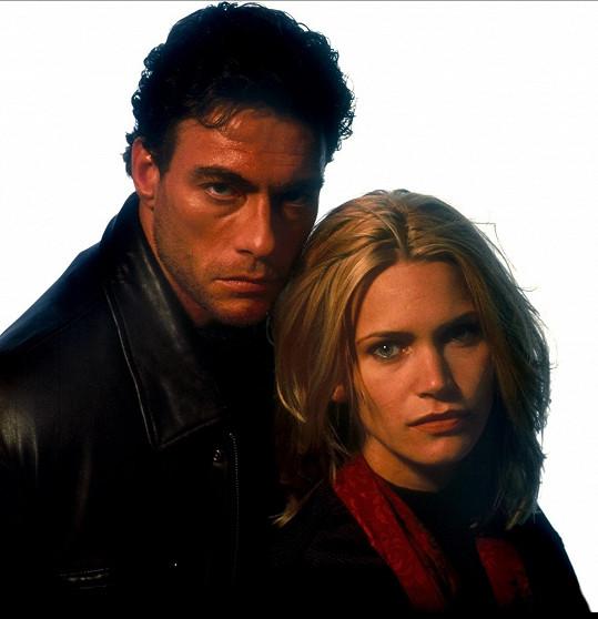 Henstridge a Jean-Claude Van Damme v Maximálním riziku z roku 1996.