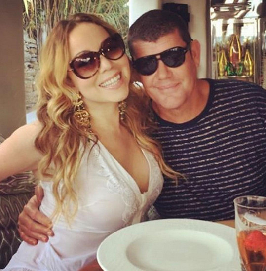 Mariah Carey se rozešla s Jamesem Packerem.