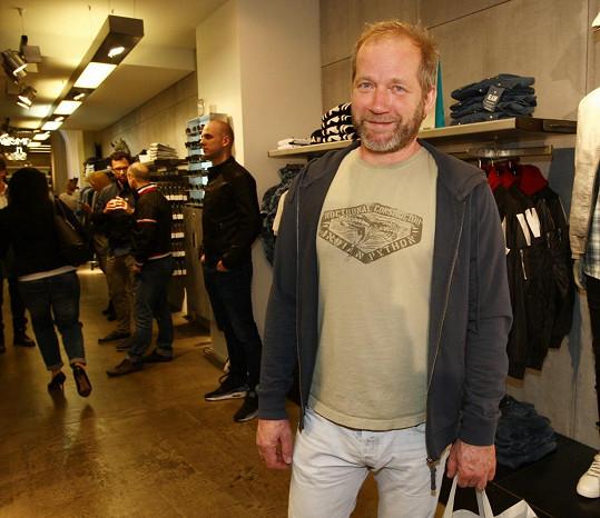 David Koller odcházel z nákupu spokojen.