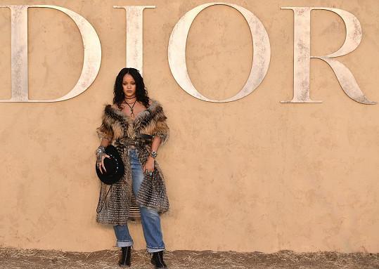 Rihanna na letošním kalifornském gala Dior Cruise Show 2018