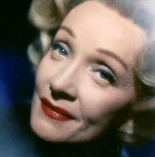 Takhle vypadala skutečná Marlene rok před šedesátkou.