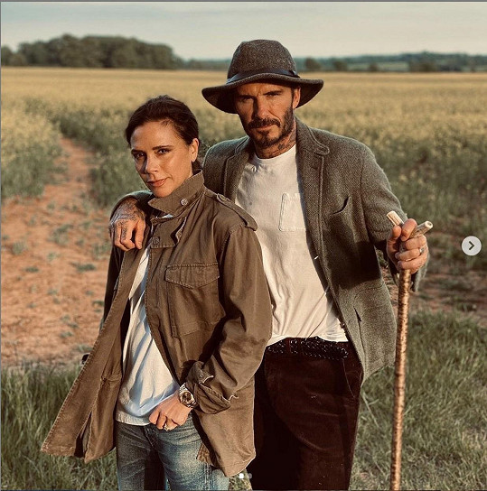 David a Victoria Beckham nedávno podepsali lukrativní smlouvu s Netflixem. Připravovaný seriál prý nabídne unikátní náhled do soukromí slavné rodiny.