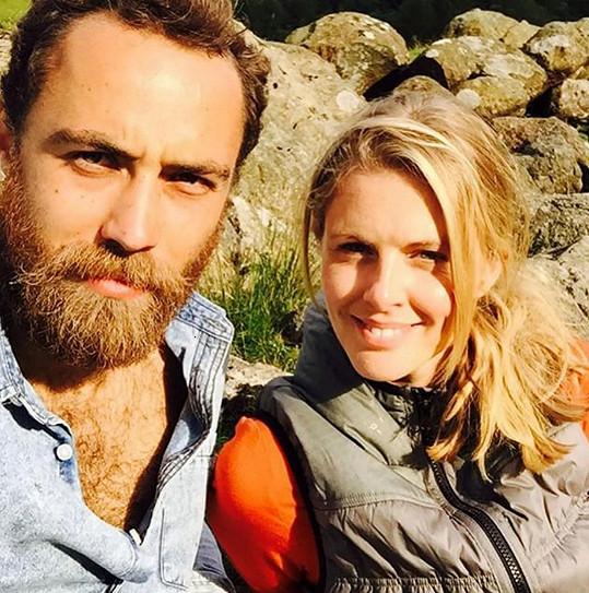 Donna Air tvoří už přes tři roky pár s Jamesem Middletonem.