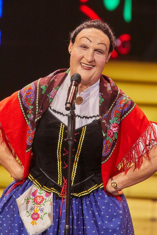Romana by v přestrojení za folklorní zpěvačku Jarmilu Šulákovou nepoznala ani vlastní rodina.