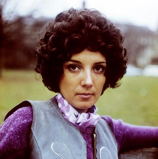 Marie Rottrová na začátku své pěvecké kariéry.