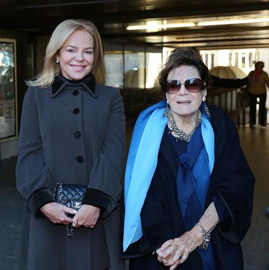 Dagmar Havlová a Vlasta Chramostová na archivním snímku. Havlovou mrzelo, že se kvůli pracovním závazkům nemohla zúčastnit rozloučení.