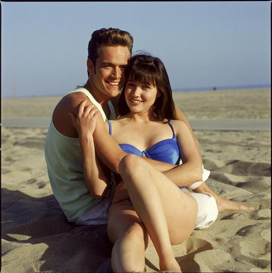 S kolegyní Shannen Doherty v ikonickém seriálu Beverly Hills 90210