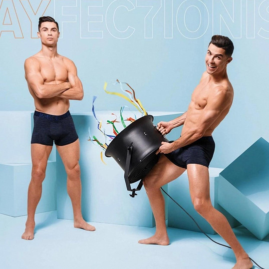 Cristiano Ronaldo se nechal nafotit v další reklamní kampani.