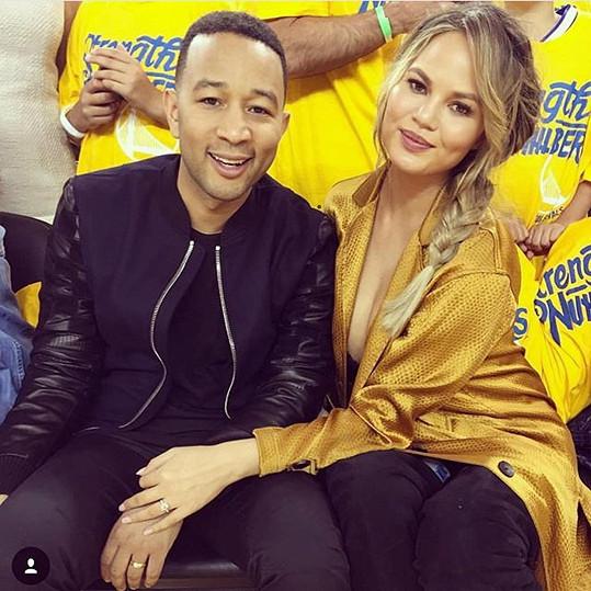 Chrissy Teigen s manželem Johnem Legendem